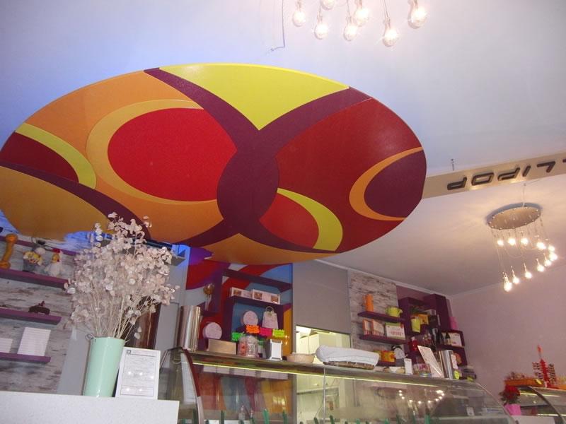 Foto della decorazione presente sul soffitto della Gelateria Lollipop a Pontoglio, Brescia