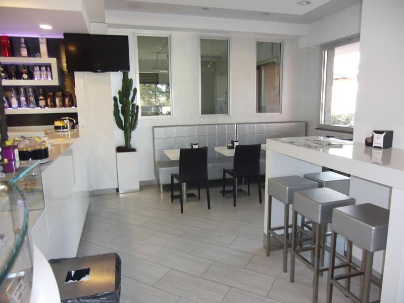 Foto area ristoro interna presso la Pasticceria Panificio Caffetteria La Meta a Lazzate, Monza Brianza