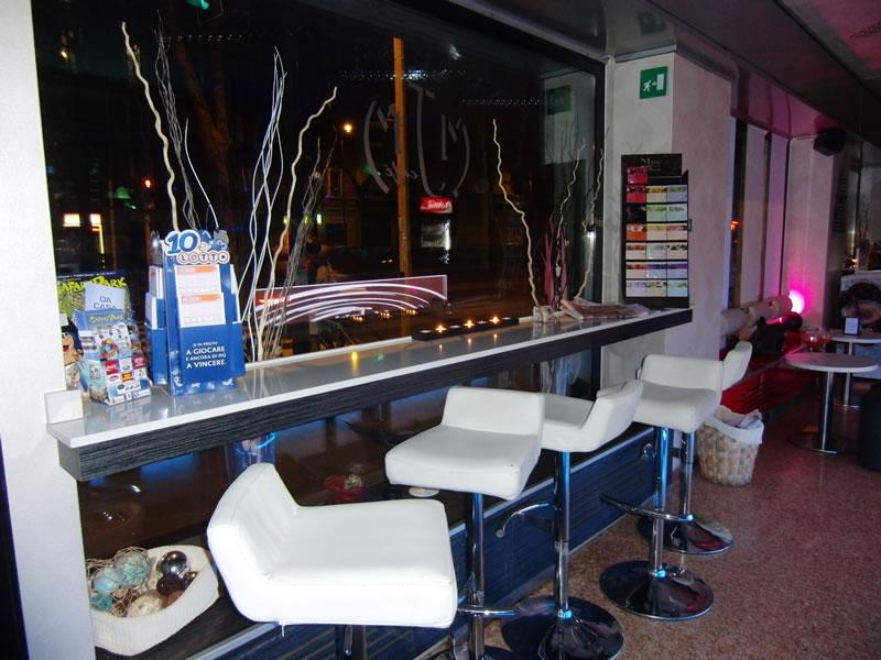 Foto di particolare dell'interno del Bar Tabacchi Tavola Calda MJM a Milano