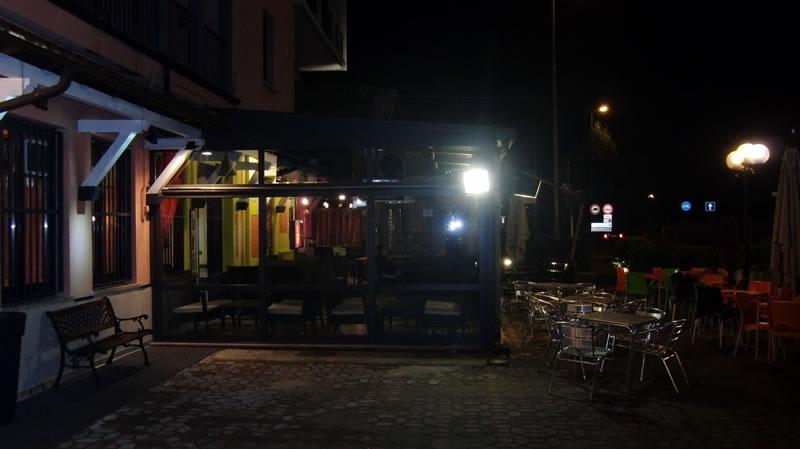 Foto scattata al gazebo esterno del Ristorante Pizzeria Fata Morgana a Trescore Balneario, Bergamo durante una serata