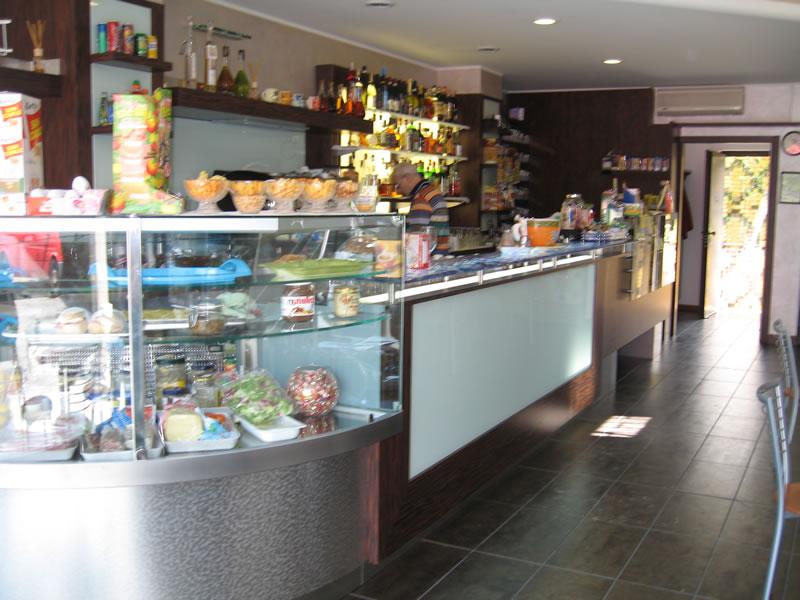 Foto degli interni del Bar Tabaccheria Luisa a Villasanta, Milano