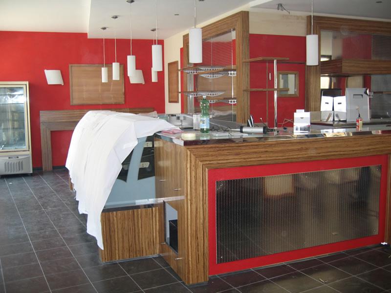 Bancone del bar dopo la ristrutturazione del Bar Cinema a Locarno, Svizzera