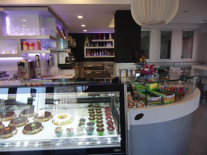 Foto dell'angolo pasticceria scattata presso la Pasticceria Panificio Caffetteria La Meta a Lazzate, Monza Brianza