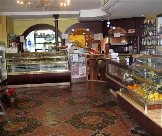 Foto arredo interno e banconi presso il Bar Pasticceria Amleto a Pegli, Genova