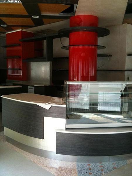 Foto del banco bar interamente rinnovato presso il Bar Tabacchi Tavola Calda MJM a Milano