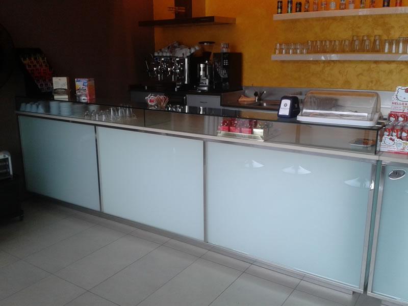 Foto del banco bar con vista sull'angolo caffetteria presso la Gelateria Pasticceria Nazionale a Ponteranica, Bergamo