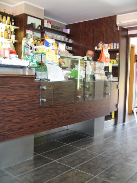 Foto dell'angolo tabacchi al Bar Tabaccheria Luisa a Villasanta, Milano