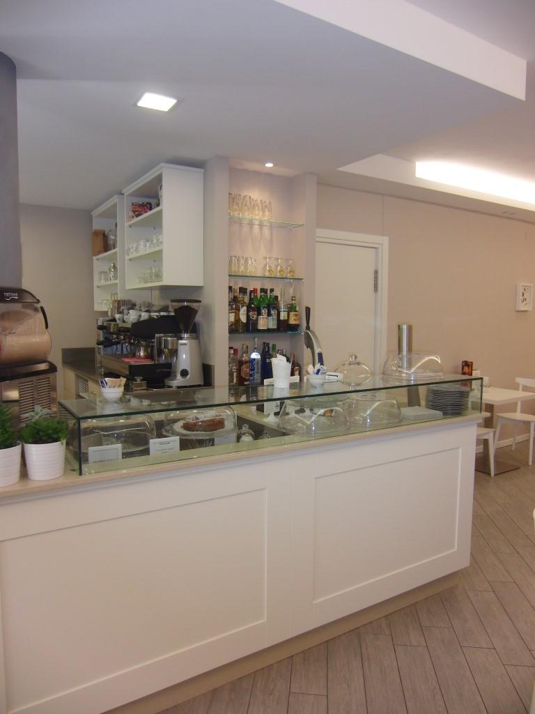 """Foto del banco di lato presso il Bar Tavola Fredda """"CACAO"""" a Bergamo"""