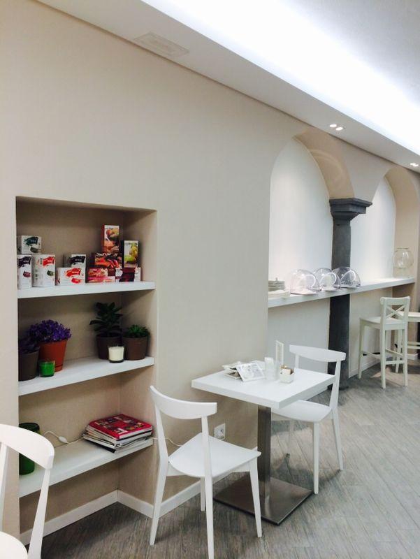 """Foto della parete interamente rinnovata presso il Bar Tavola Fredda """"CACAO"""" a Bergamo"""