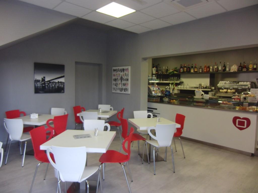 Foto panoramica dell'interno del Cogal Caffè ad Albino in Provincia di Bergamo