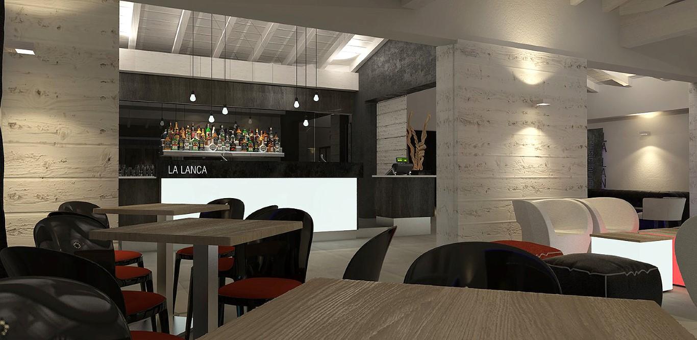 Tavoli e sedie con vista sul banco bar del Lounge Bar Ristorante La Lanca