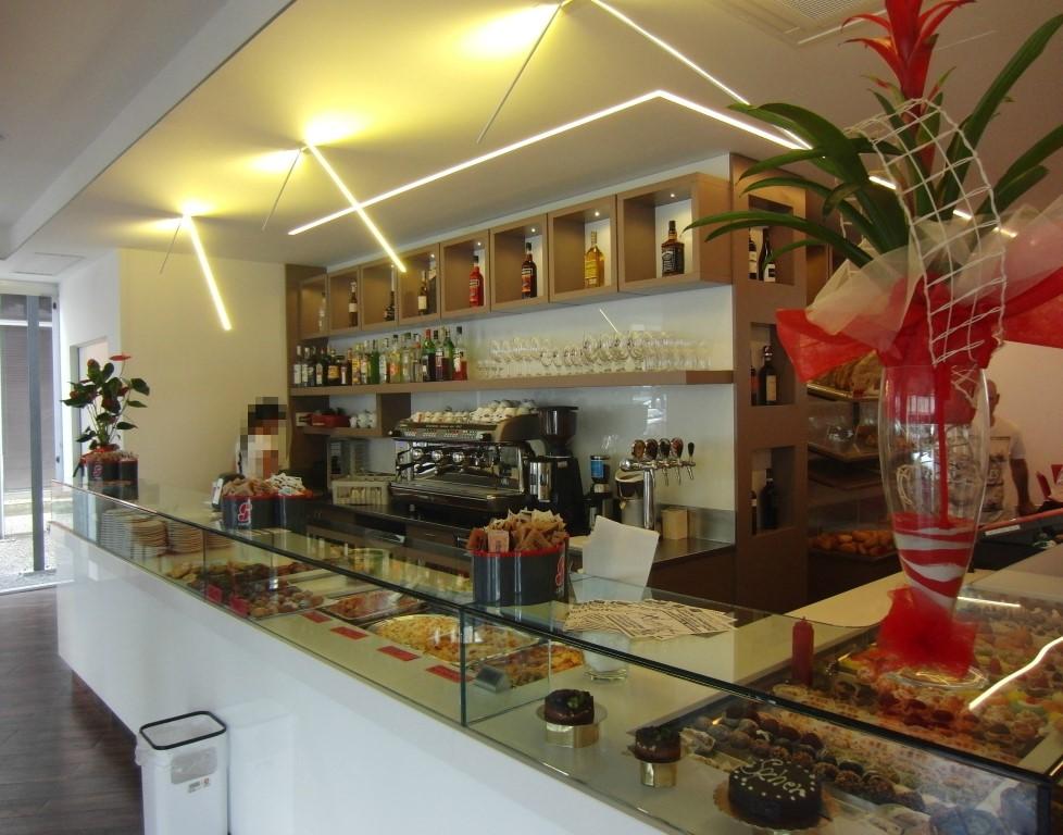 Banco caffetteria ripreso alla Caffetteria Panificio Good Morning a Lissone, Brescia