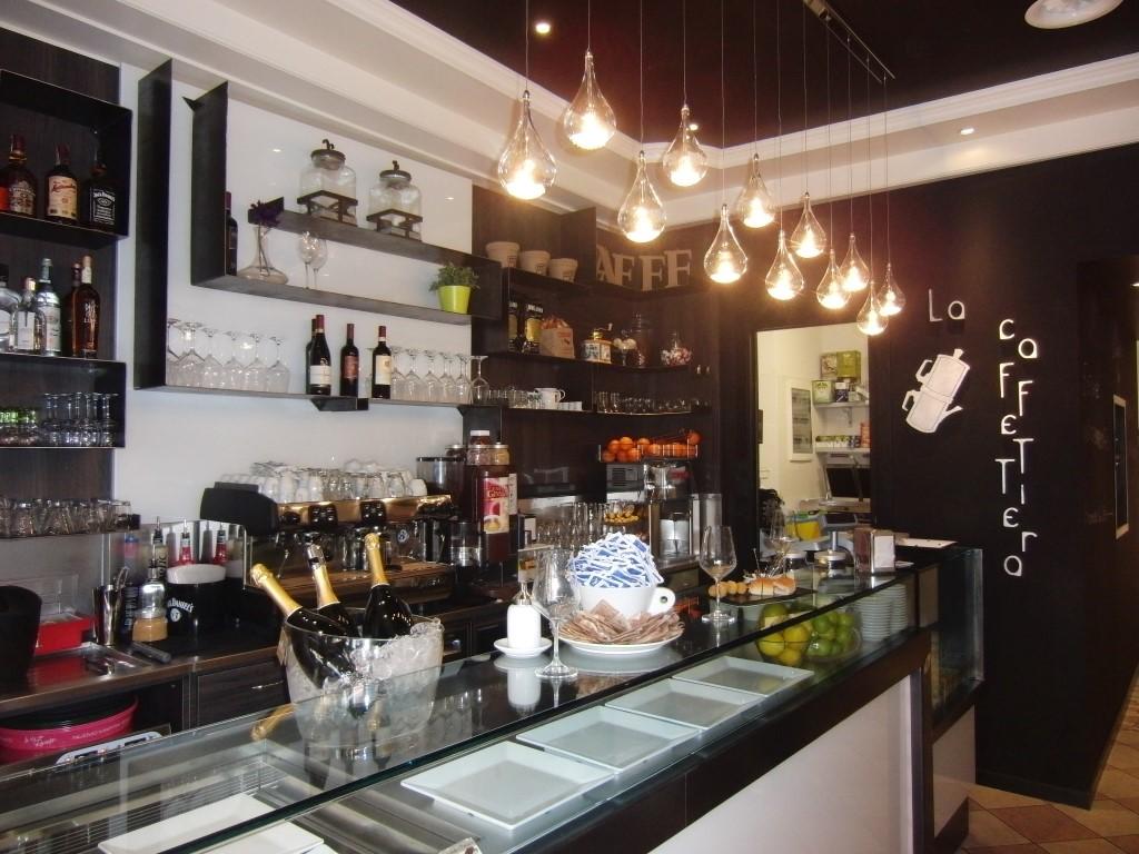 """Angolo caffetteria presso il Bar tavola fredda """"La Caffettiera"""" a Pavia"""