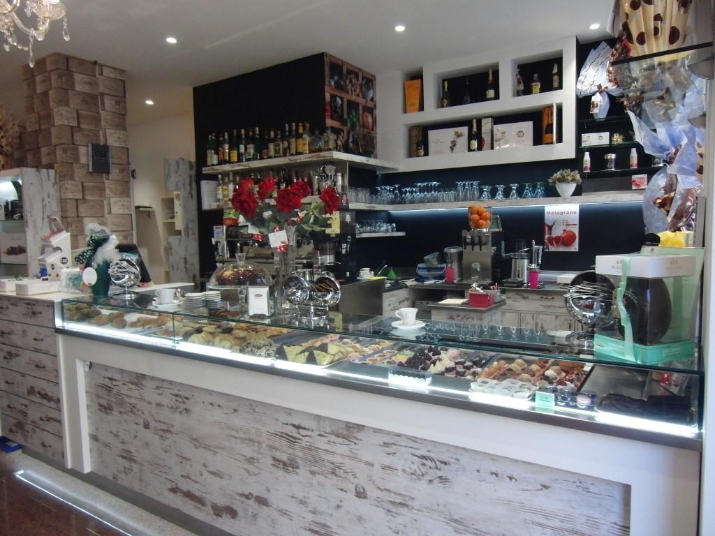 Foto del banco caffetteria presso la Caffetteria Pasticceria Franceve a Milano