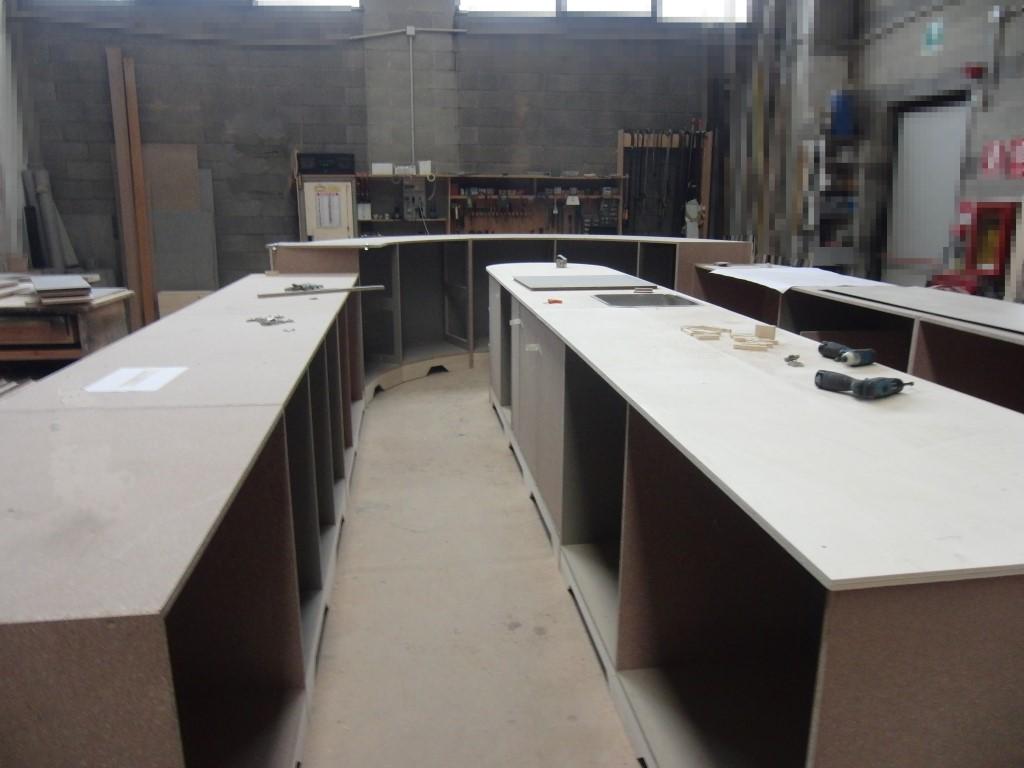 Interno del bancone in fase di realizzazione al Ristorante Wine Gate 11 presso l'Aeroporto di Orio al Serio