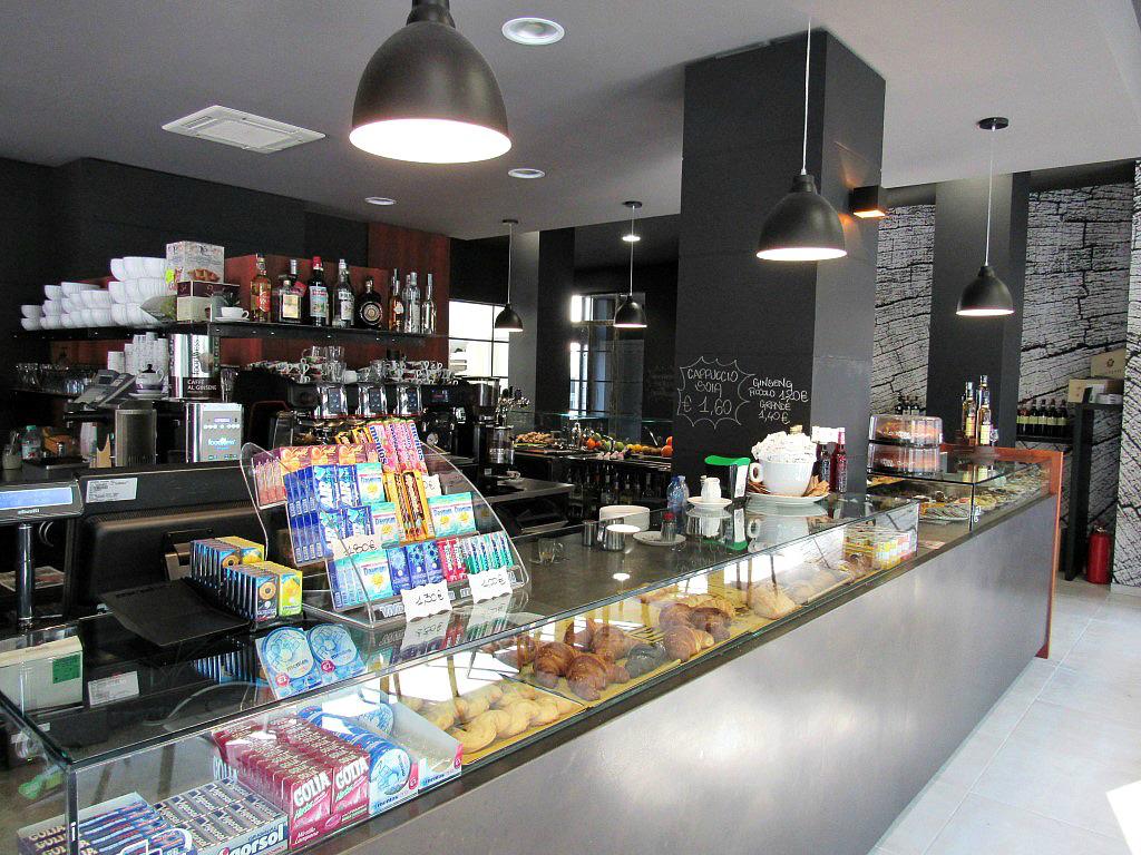 Foto del banco caffetteria presso il Bar Gelateria Enoteca Papilla a Monza