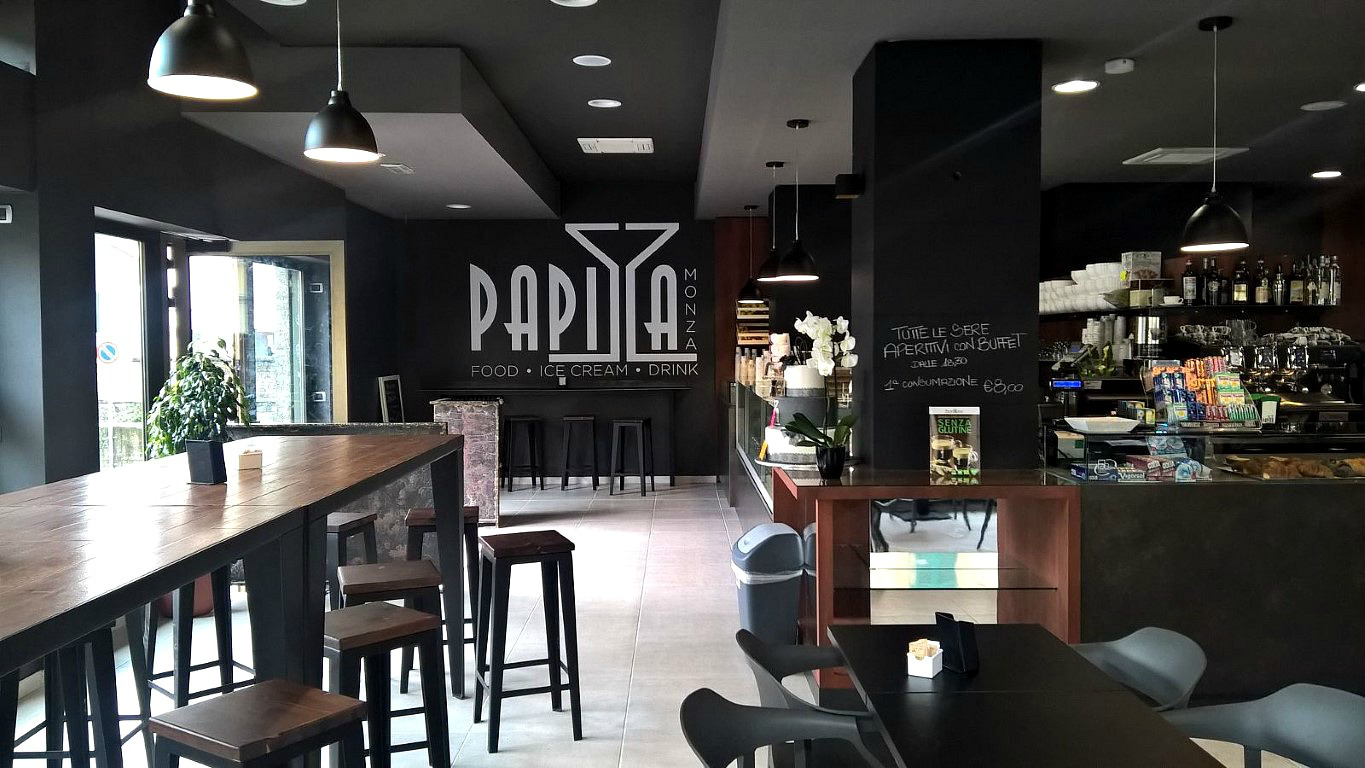 Foto scattata all'interno del Bar Gelateria Enoteca Papilla a Monza