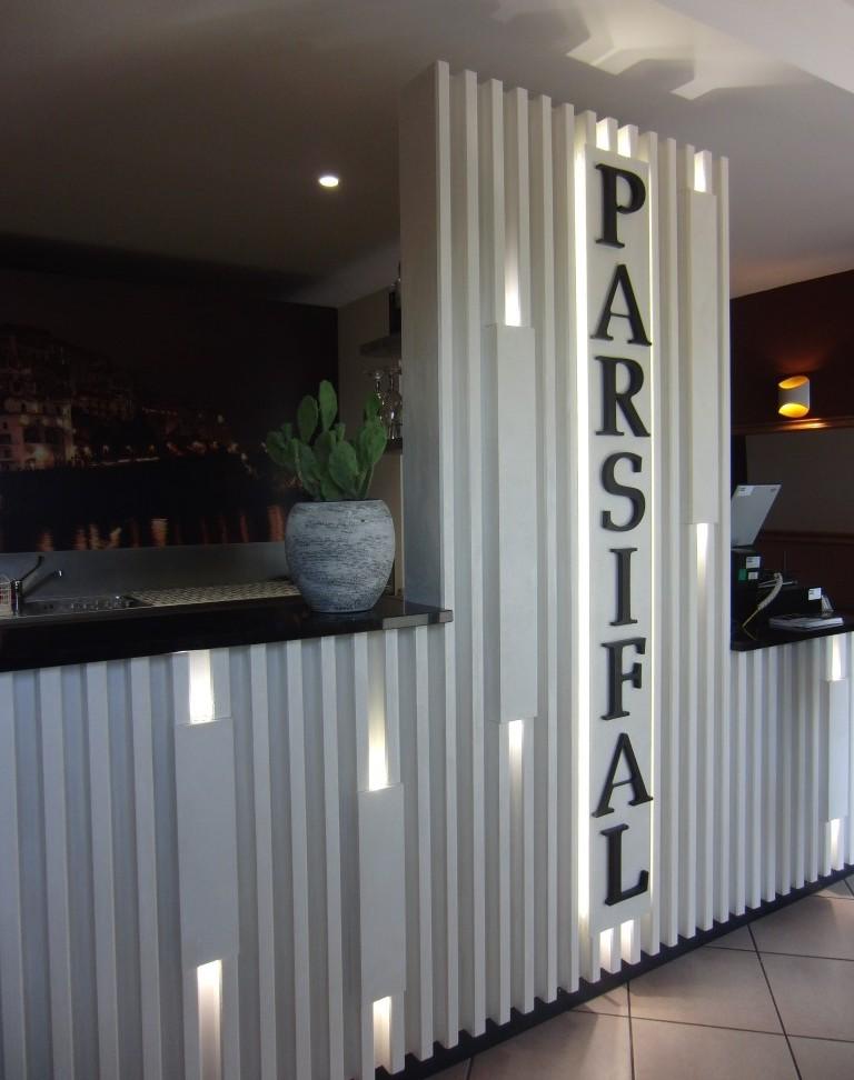 Foto dell'ingresso con il bar alRistorante Pizzeria Parsifal a Treviolo, Bergamo