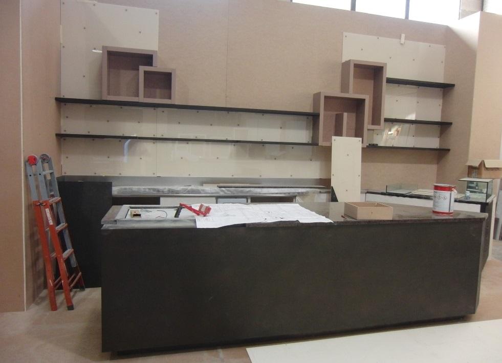 Foto del bancone in fase di realizzazione presso la Pasticceria Caffetteria i 4 Mastri a Milano