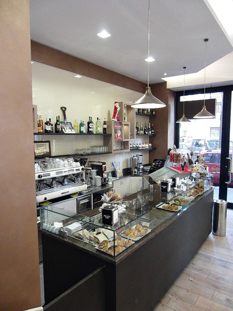 Foto di parte dell'interno e area caffetteria presso la Pasticceria Caffetteria i 4 Mastri a Milano