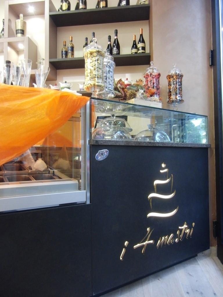 Particolare del bancone presente alla Pasticceria Caffetteria i 4 Mastri a Milano