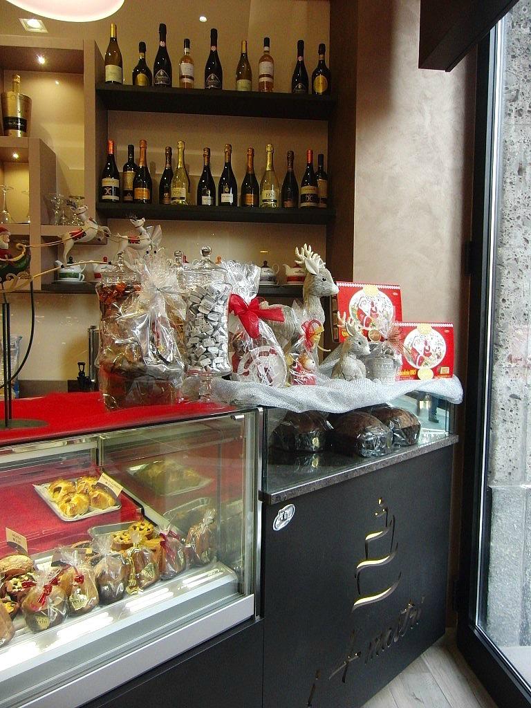 Foto scattata nel periodo natalizio presso la Pasticceria Caffetteria i 4 Mastri a Milano